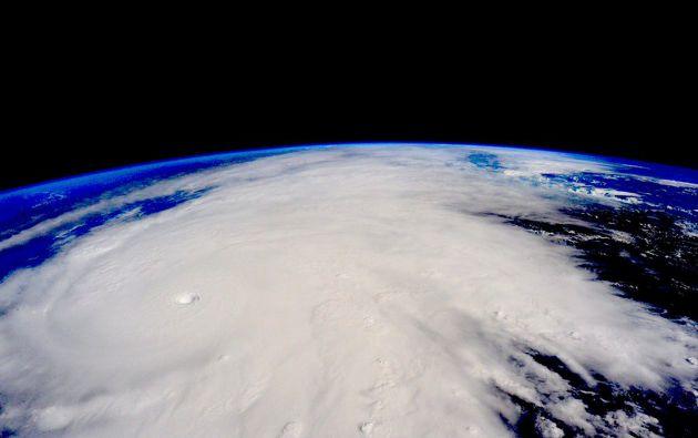 Elñ huracán patricia se observa acercándose a las costas de México en una toma de la NASA. Foto: REUTERS.