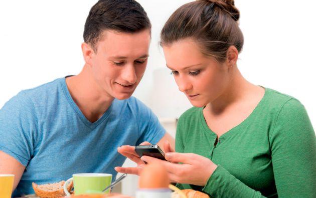 No necesita llamar al restaurante. Aplicaciones móviles para pedir comida a domicilio reparten órdenes en Ecuador.