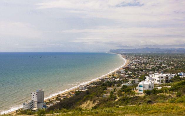 Desde La Loma se puede tener una vista panorámica de la playa y de la parroquia Crucita. Foto: Iván Navarrete