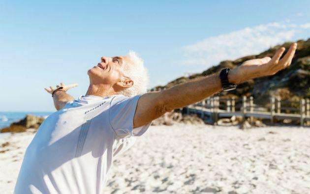 Los rayos solares contribuyen a mejorar los niveles de vitamina D, pero el temor al cáncer de piel ha hecho que gran parte de la población evite exponerse a ellos.