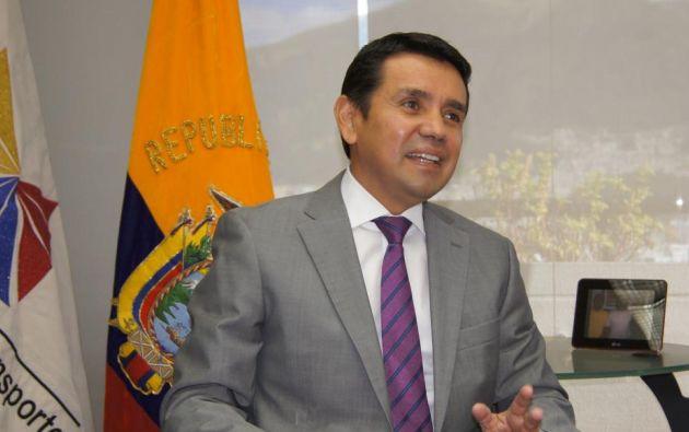 En su carta de renuncia, Solís alega situaciones personales.