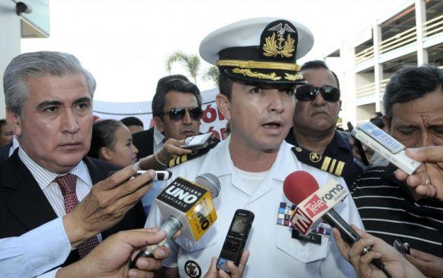 El uniformado de la Fuerza Naval es acusado por responder con ofensas un mail de Correa. Foto: API.