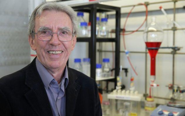 Jean-Pierre Savage, quien aportó en este campo la técnica de reunir moléculas en torno a un ión de cobre. Foto: REUTERS.