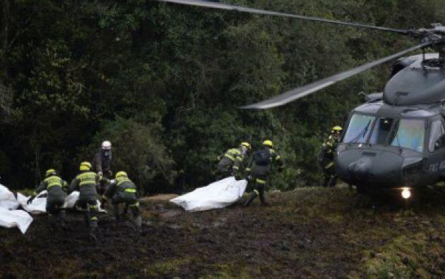 Una de las hipótesis que se maneja es que el avión se precipitó a tierra porque se quedó sin combustible. Foto: Agencias