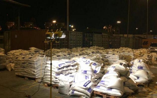 La droga estaba oculta en sacos de yute y pretendía trasladarse a Bélgica. Foto: Ministerio del Interior.