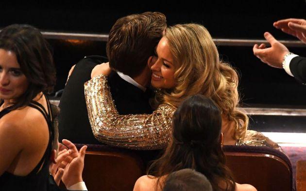 El actor asistió a la gala de la Academia junto a una rubia que no era su esposa. En Twitter muchos hablaron de ella. Foto: redes