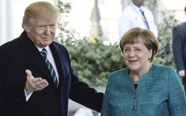 El presidente de EE.UU., Donald Trump, recibe a la presidenta de Alemania, Angela Merkel, en la Casa Blanca. | Foto: EFE