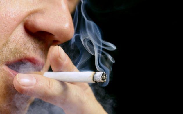 """La propuesta de la tabacalera, se basa en que los males del tabaquismo no los causa la nicotina, sino la """"combustión"""" que se genera al encender un cigarrillo.  Foto: Internet."""