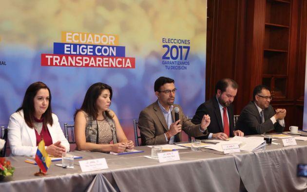 Pozo recordó a las organizaciones políticas que pueden presentar las reclamaciones que les faculta la ley. Foto: Twitter / CNE.