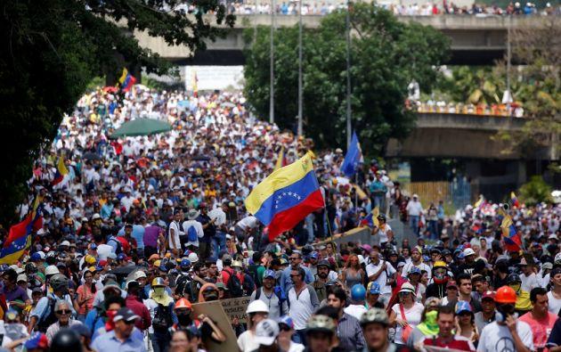 Desde hace un mes y medio en Venezuela se suceden las protestas opositoras contra el Gobierno, en las que ya han muerto 45 personas. | Foto: Reuters.