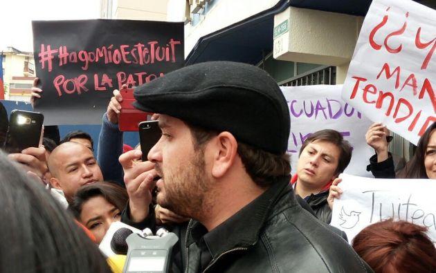 Luis Eduardo Vivanco, editor del diario La Hora. | Foto: Tomada de Twitter (Soraya Constante)