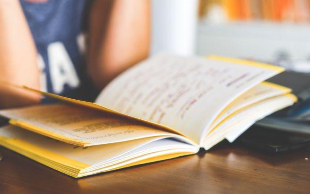 """Los resultados de la prueba """"Ser Bachiller"""", rendida por todos los estudiantes de tercero de bachillerato del país, aparecen los nombres de los 100 colegios cuyos alumnos obtuvieron los más altos puntajes. Foto: Referencial Pexels"""