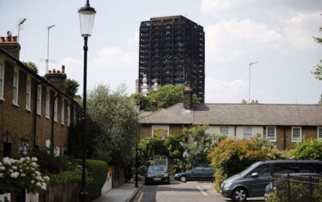 Londres.- El inmueble, ubicado al oeste de Londres y en el que vivían entre 400 y 600 familias, se incendió con rapidez hace algunos días. Foto: AFP