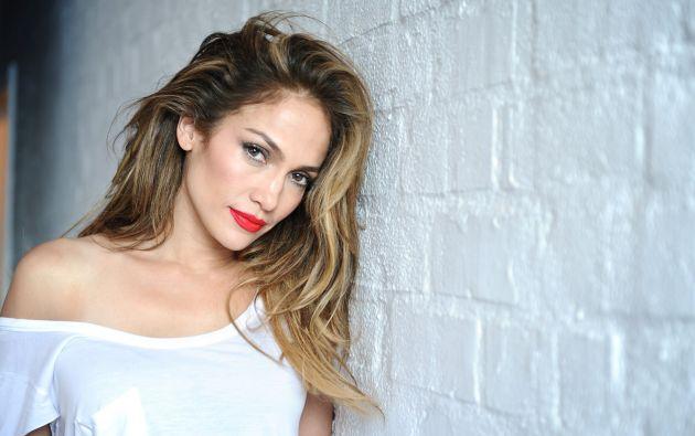"""Jennifer López, de 47 años, es una de las reinas de los """"selfies"""" en Instagram. Foto: Tomada de Sopitas.com"""