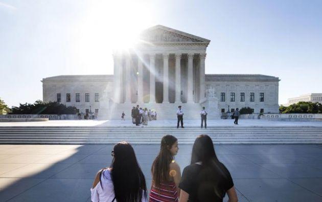 Trump celebró la aprobación parcial de su orden migratoria por parte del Tribunal. Foto: Tomada de Emol.