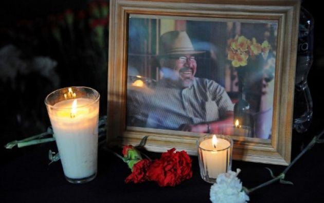 Unos doscientos colegas y familiares del periodista mexicano asesinado Javier Valdez lo homenajearon este sábado en una agridulce velada en Ciudad de México. Foto: AFP