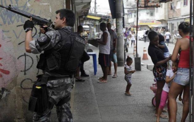 El agente fue asesinado a primera hora de la mañana, mientras se realizaba el relevo de la guardia en una favela Foto: Noticias 24 horas