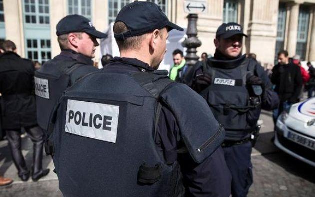 Para intentar evitar ser detenido, el conductor chocó contra uno o va0rios vehículos. Foto: Navarra información