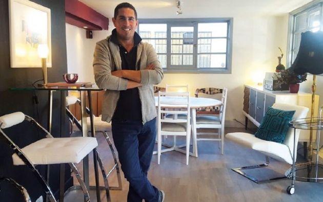 Diego visita los lugares donde hay muebles y accesorios decorativos que sus dueños han decidido vender o simplemente dar de baja. Foto: Vistazo
