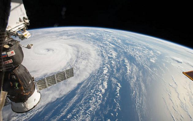 La NASA ha compartido imágenes captadas por satélites que muestran la ferocidad del fenómeno. Foto: Internet