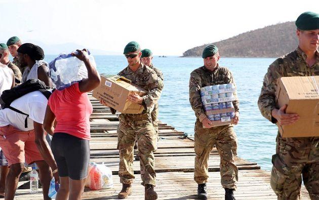 Los Comandos del Ejército Británico toman parte en los esfuerzos de recuperación después del paso del huracán Irma a Tortola, en las Islas Vírgenes Británicas. Foto: Reuters