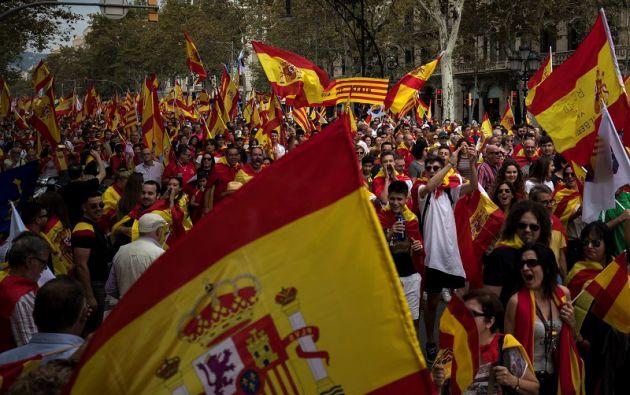 """Durante la marcha se pudieron oír consignas como """"No nos engañen, Cataluña es España"""". Foto: Reuters"""