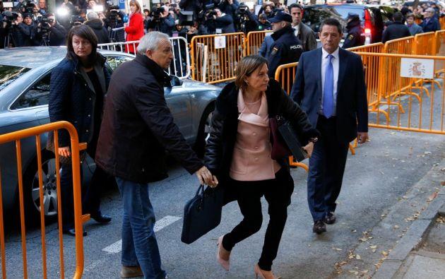 La política catalana salió del centro penitenciario de Alcalá Meco, próximo a Madrid, acompañada de otras dos personas. Foto: Reuters