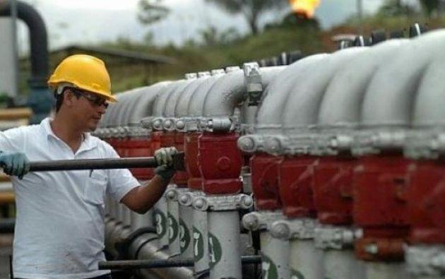 Petroecuador suscriben contrato con cl usula contra for Clausula suelo firma acuerdo privado