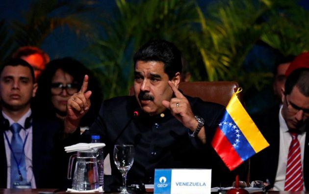 Luego de tres acercamientos fallidos entre 2014 y 2017, volverán a la mesa para intentar frenar el choque de poderes y el profundo deterioro social. Foto: Reuters