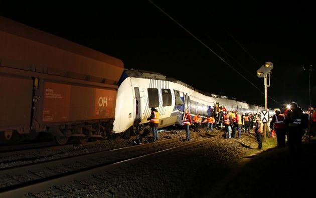 Según las estimaciones de los bomberos de Meerbusch, el expreso de pasajeros siniestrado estaba ocupado por unas 150 personas. Foto: Reuters