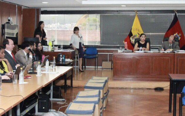 Los representantes de la Procuraduría llegaron a la CNJ con 7 minutos de retraso, de esta manera el Estado se queda sin representación en el juicio. Foto: Fiscalía