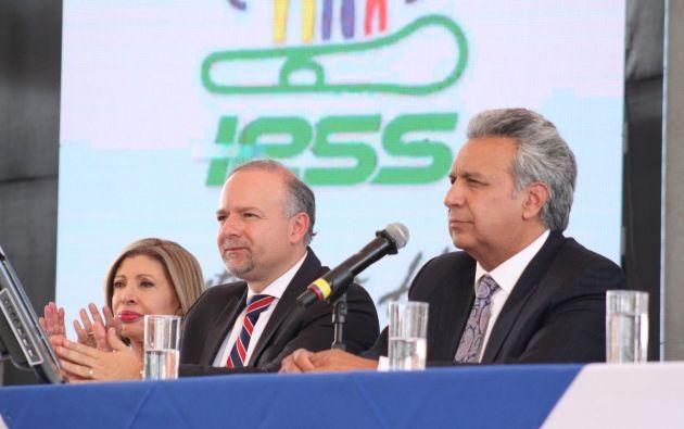 """""""Hemos conversado con el presidente, Lenín Moreno, y le he pedido dejar el IEES luego de entregar la obra más grande, el Hospital del IESS Quito Sur"""", dijo Espinosa. Foto: Presidencia"""