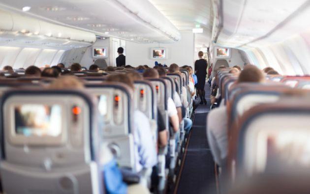 En Estados Unidos, los pilotos deben retirarse a los 65 años, pero no los auxiliares de vuelo comerciales, de los cuales Nash es presumiblemente la decana mundial. Foto: Internet