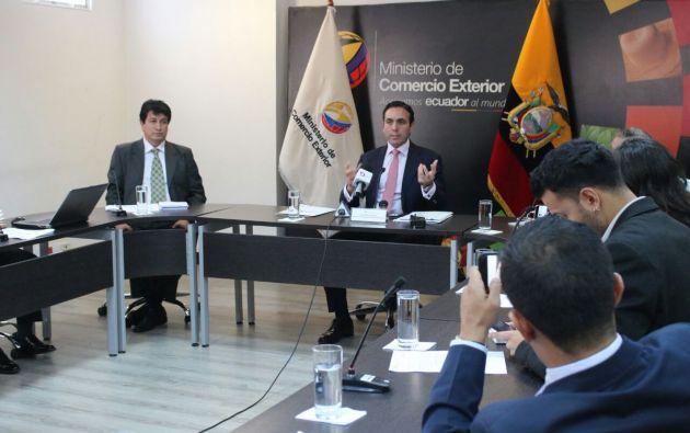 El ministro dijo que el próximo 30 de enero prevén una reunión, en Quito, con interesados en invertir en la Refinería del Pacífico. Foto: Com. Exterior