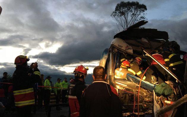 la llamada de emergencia llegó a las 03:48 hora local con el reporte del choque de tres autobuses. Foto: ECU911