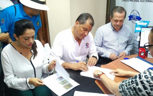 Rafael Correa y Ricardo Patiño fueron los primeros en desafiliarse de Alianza País. Foto: Twitter