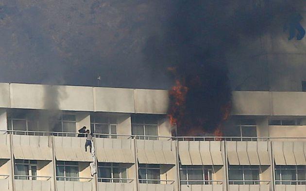 Los agresores dispararon contra los clientes y el personal, antes de parapetarse en los pisos del hotel. Foto: Reuters