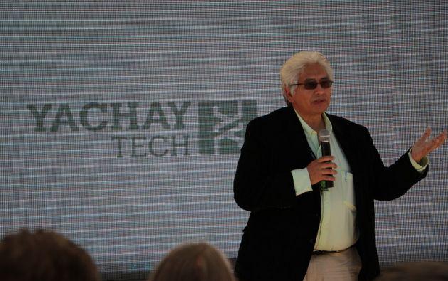 Castillo-Chávez en su gestión dispuso recortar los sueldos de los docentes. Foto: Vistazo