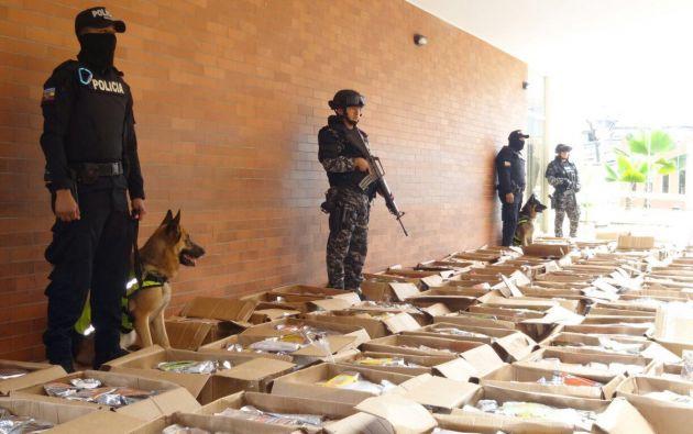 Policía de Ecuador decomisa una tonelada y media de clorhidrato de cocaína. Foto: Ministerio del Interior