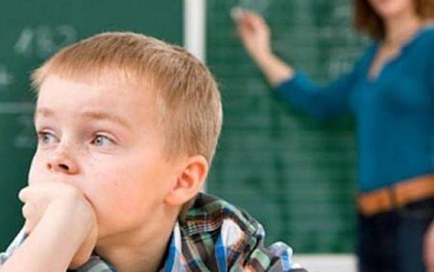 Son niños que tienen problemas para comprender los sentimientos de otras personas o para expresar los sentimientos propios. Foto: Internet