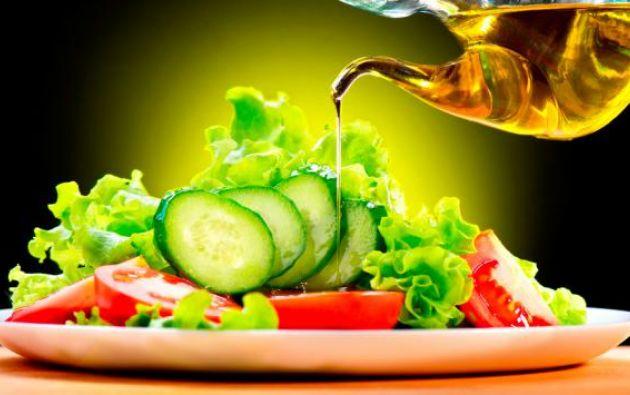 """La vegetariana fue más efectiva para reducir el colesterol """"malo"""" (LDL), mientras que la dieta mediterránea produjo una mayor reducción en los triglicéridos."""
