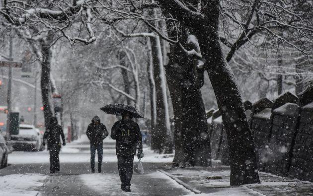 """""""Las carreteras pueden ser peligrosas y fuertes vientos pueden causar cortes de electricidad"""", alertó la policía de Nueva York. Foto: Reuters"""