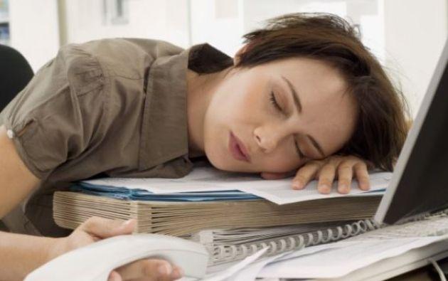 Ser hipersomne supone tener un sueño excesivamente prolongado y profundo. Foto: consejos de vida saludables