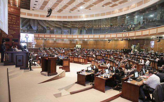 Parlamentarios de diversas bancadas legislativas, resaltaron que es coherente que quien quiera participar en este proceso lo haga sin concurso previo. Foto: Asamblea