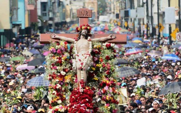 Los agentes del orden estarán desplegados en los lugares de concentración masiva en todo el país como iglesias o balnearios. Foto: Andes