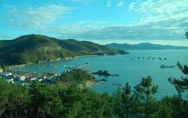 """Se la conoce a menudo como """"el Hawái chino"""", por playas de arena blanca y sus cocoteros. Foto: finder.com"""