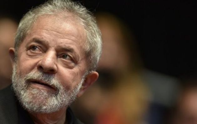 Dos personas resultaron heridas en la madrugada del sábado en un tiroteo contra participantes en la vigilia a favor del expresidente Luiz Inácio Lula da Silva, detenido en Curitiba. Foto: Reuters - Archivo
