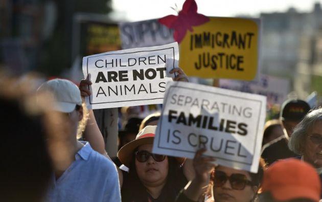 Estados Unidos separó de sus familias a cerca de 2.000 menores inmigrantes en la frontera con México entre el 19 de abril y el 31 de mayo. Foto: AFP