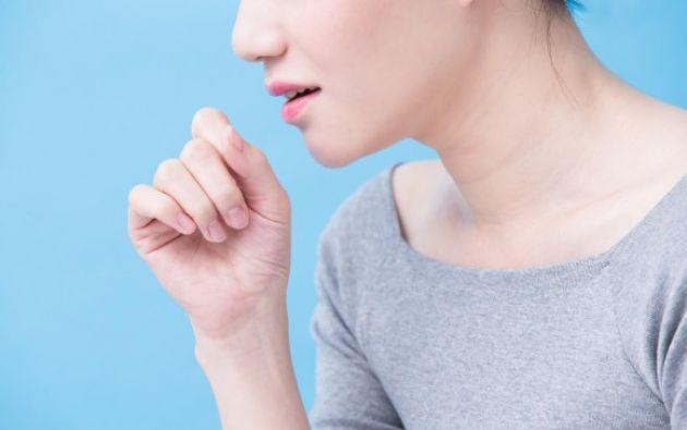 Las enfermeras piden al paciente que haga una prueba de esputo, de saliva, que en una hora puede indicar si tiene tuberculosis. Foto: Pixabay