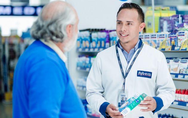 La mayoría de cadenas farmacéuticas destina un día especial al mes para ofrecer al cliente descuentos especiales. Foto: cortesía Fybeca